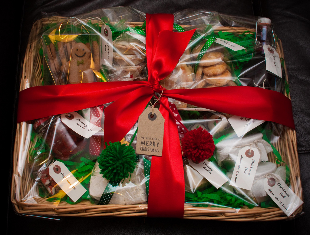 gourmet food gift baskets for happy winners